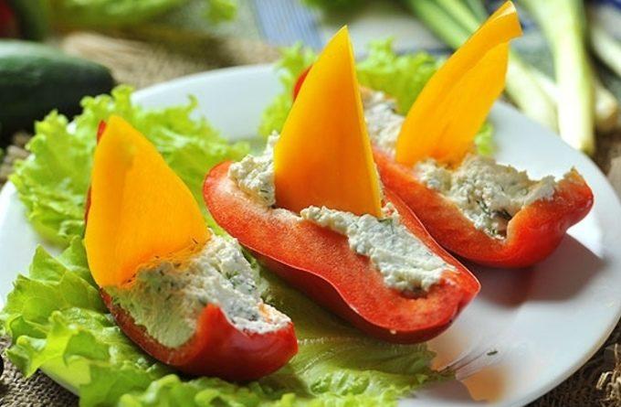 Салат в «лодочке» из перца