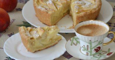 """Пирог к осеннему чаепитию """"Яблоки на снегу"""""""