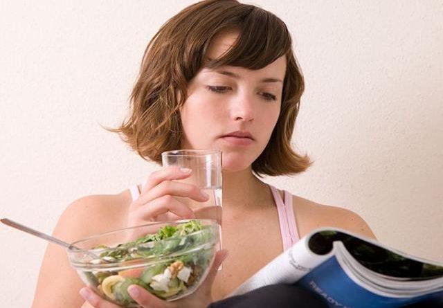 Почему говорят, что нельзя пить во время еды