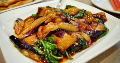 Баклажаны с перцем и картофелем по-китайски