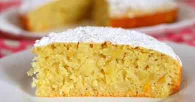 Апельсиновый манник на йогурте с яблоками