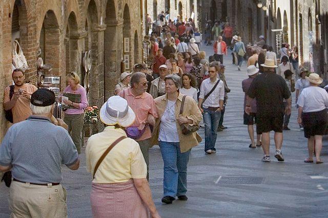 В Италии планируют возвращение к обычной жизни после жесткой самоизоляции