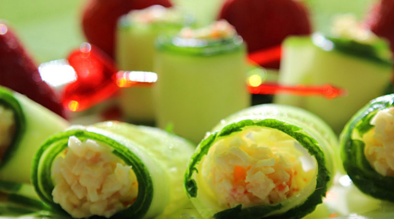 Огуречные роллы с крабовым салатом