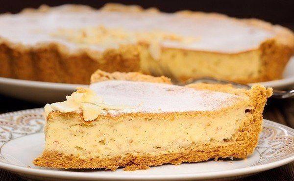 Очень вкусный пирог из рубленого теста с творожно-банановой начинкой, попробуйте
