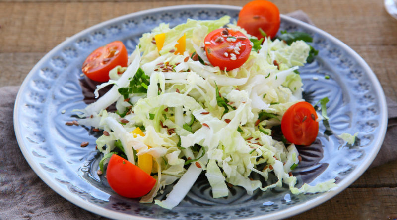 Салат из пекинской капусты