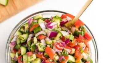 Вкусный салатик из свежих овощей