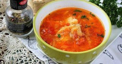 Легкий рыбный суп с томатами