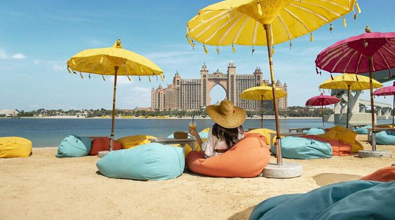 Туроператоры опровергли информацию о закрытии всех пляжей в ОАЭ