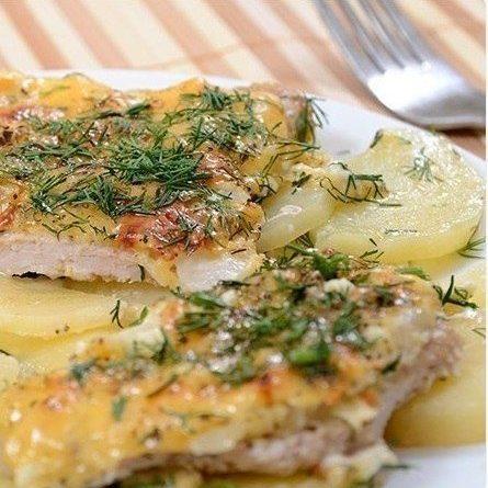 Мясo пo-французски с картoфелем