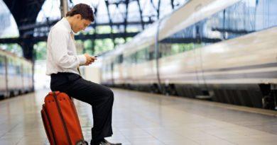 Остающихся за рубежом россиян могут освободить от оплаты сотовой связи