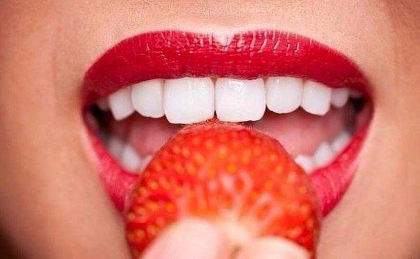 Продукты, которые делают зубы белее