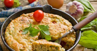 Рулет со шпинатом, помидорами и творогом
