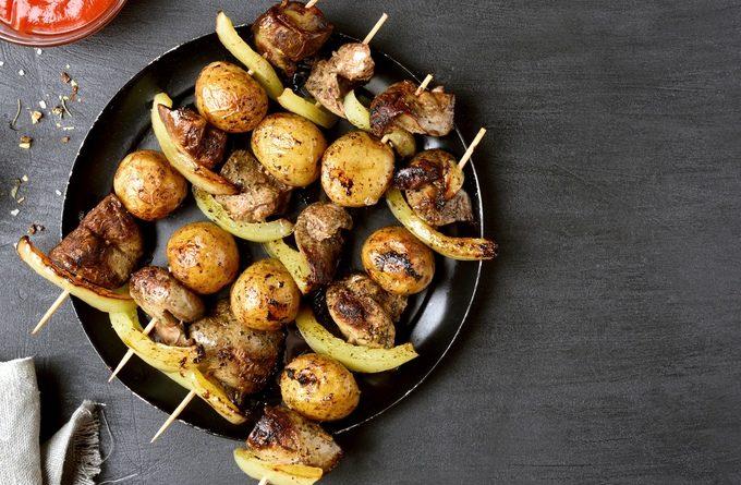 Мини шашлычки с картофелем и курицей