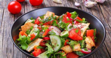 Восточный салат с лавашом