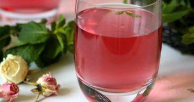 Освежающий напиток из мяты и базилика