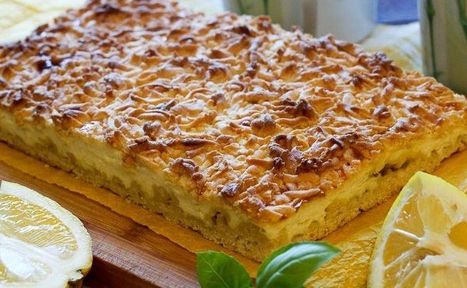Тертый пирог с творогом и лимоном
