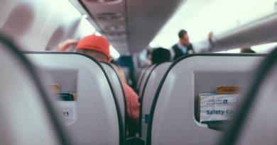 Минтранс считает соблюдение социальной дистанции в самолётах «нецелесообразным»