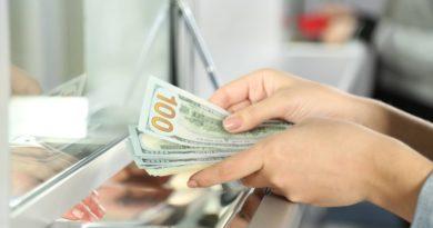 Какие ошибки совершают туристы при обмене валюты за рубежом