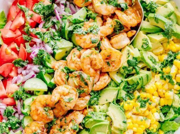 С радостью делимся с вами ещё одной идеей для отличного летнего салата