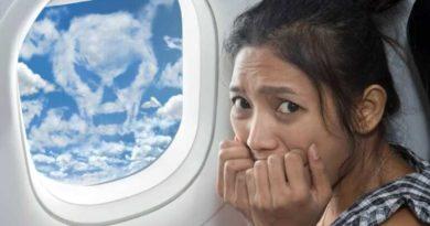 Стоит ли бояться воздушных ям во время авиаперелета
