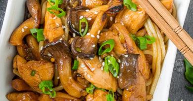 Курица в кисло-сладком соусе с вешенками