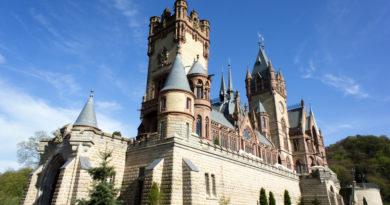 Немецкий замок чудом избежавший сноса