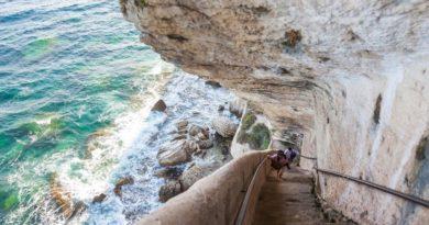 Необычная лестница Арагона в каменной отвесной скале
