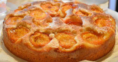 Сочный абрикосовый пирог