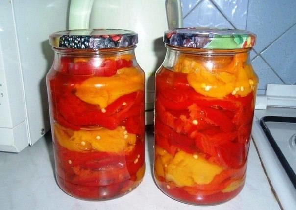 Безумно вкусный салат из перца и помидоров в медовой заливке