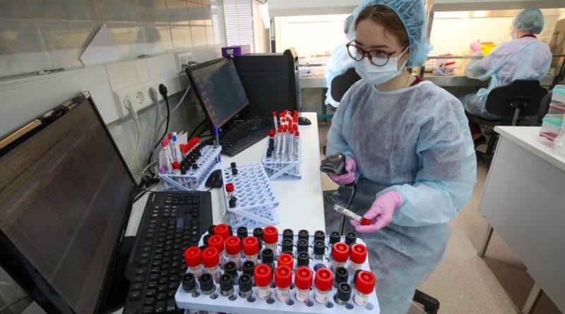 В Центре Гамалеи рассказали, когда вакцина от коронавируса может поступить в гражданский оборот