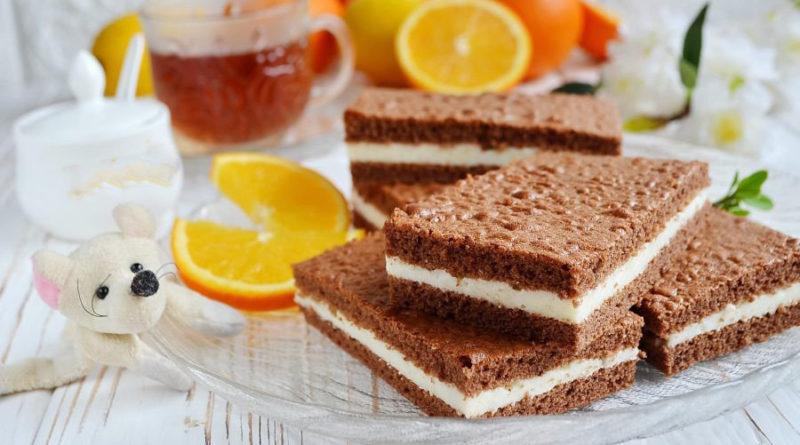 Шоколадное пирожное с молочной прослойкой