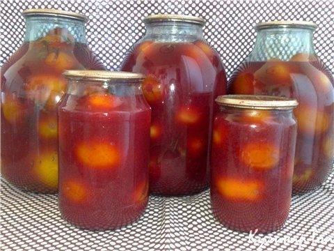 Помидоры, консервированные с соком красной смородины
