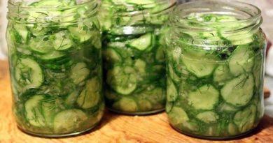 Салат из огурцов с кинзой