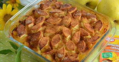 Сладкая макаронная запеканка с творогом и яблоками