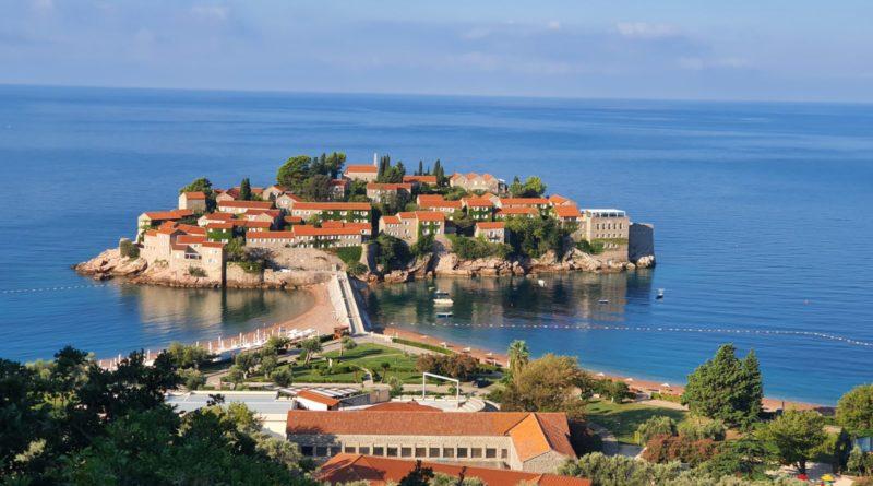 Стоит ли ехать в Черногорию на отдых?