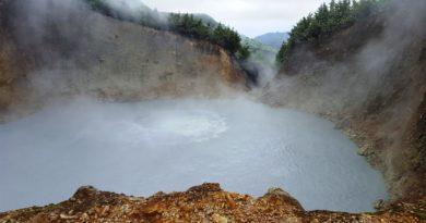 «Адское» озеро. Почему в нём вода кипит?