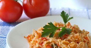 Острый рис с помидорами