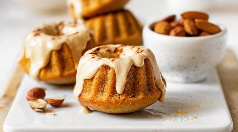 Кексики с арахисовым урбечем и глазурью