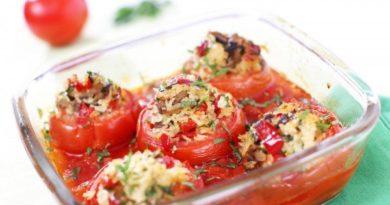 Запеченные помидоры с рисом и грибами