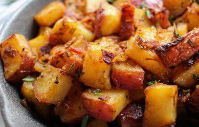 Зачем царапать картофель вилкой перед жаркой
