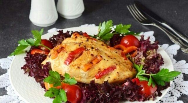 Божественная куриная грудка с болгарским перцем в духовке