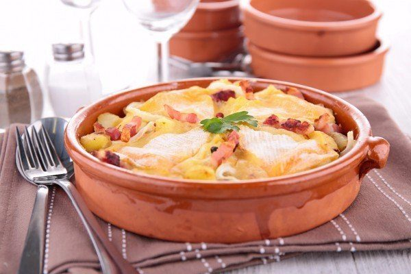 Запеченный картофель с беконом и сыром