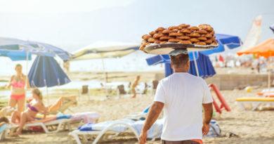 Три схемы обмана отдыхающих на пляже в Турции