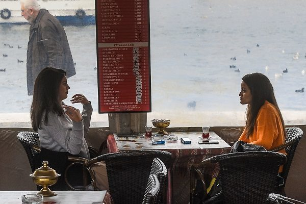 Российские туристы пожаловались на мошенничество в турецких ресторанах