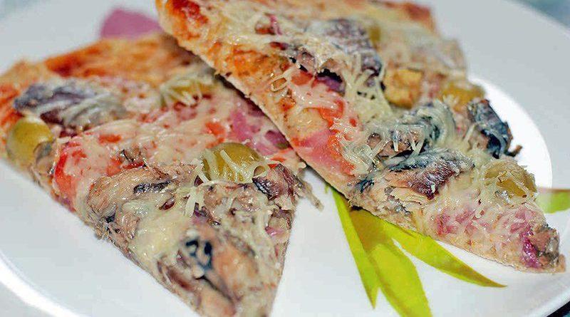 Пицца с рыбой (сардинами)