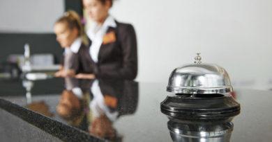 К каким уловкам прибегают отели, чтобы увеличить прибыль?
