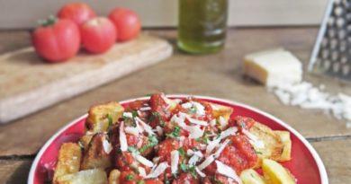 Картофель в томатном соусе