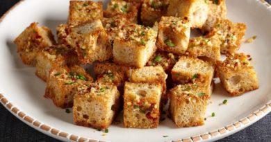 Чесночные гренки из белого хлеба