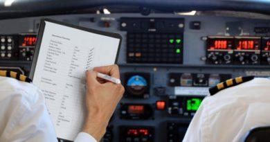 5 примет, в которые до сих пор верят пилоты самолетов