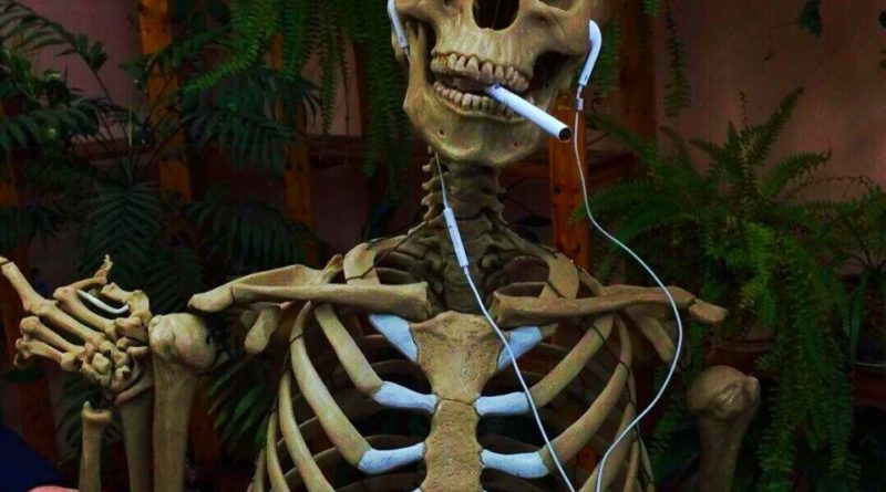 """""""Скелеты в шкафу"""". Выпуск 3. """"В каких случаях лучше не встречаться со своей бывшей любовью. Или все-таки встречаться?"""""""